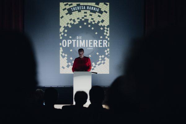 """Szenische Lesung von """"Die Optimierer"""" beim Literaturfest Kleinwalsertal"""
